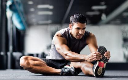 ¿Cuánto tiempo debo estirar después de entrenar?