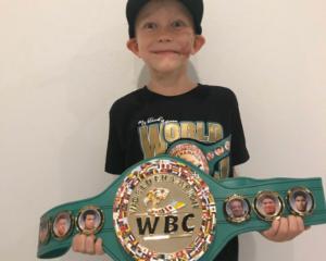 CMB entrega título al niño más valiente del mundo