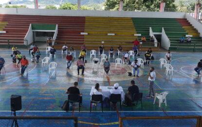 Positiva reunión con propietarios de canchas en Yopal